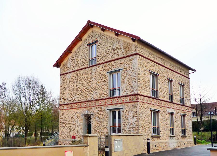 GR0290_MAGNY-LE-HONGRE_Cour-de-Montrempe